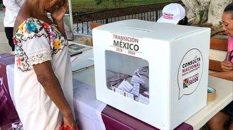 Votación en la consulta ciudadana en torno al futuro del nuevo aeropuerto. México, octubre de 2018.