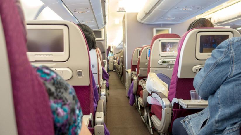 Estos son los lugares más sucios de un avión que tocamos constantemente