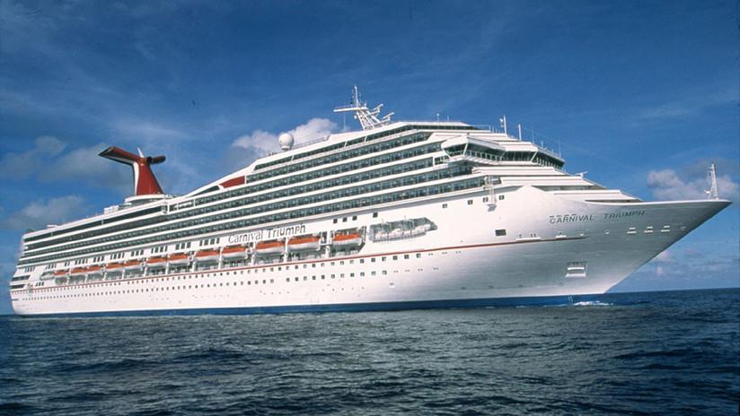 """""""Caos, gritos, llanto, pánico"""": Un crucero se inclina hacia un costado surcando el Caribe (FOTOS)"""
