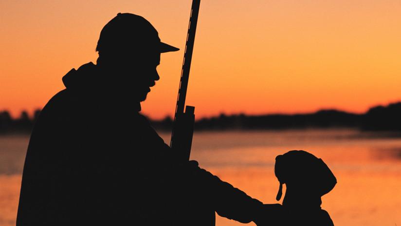 Hombre resulta herido de bala por su propio perro