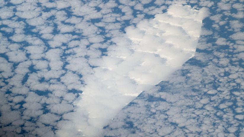 Un iceberg con forma de ataúd se dirige a una 'muerte' inminente