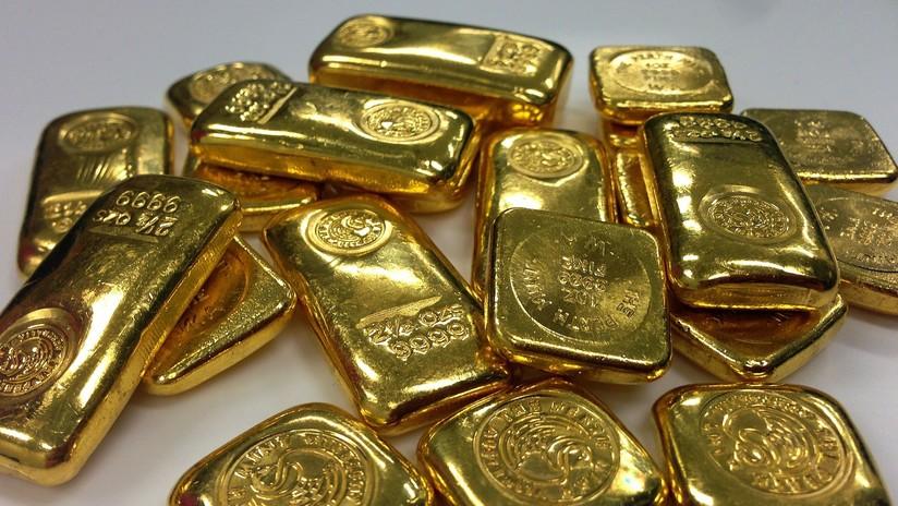 """'El oro dice la verdad': Oriente atesora reservas, Occidente sigue fiel a su """"optimismo sin sentido"""""""