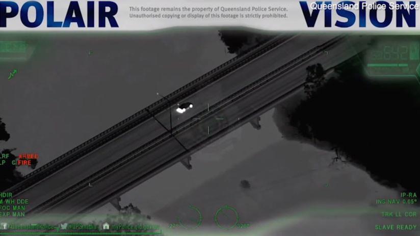 VIDEO: Ladrón deja un Audi robado y se mete en un río con cocodrilos para huir de la Policía