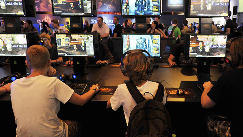 Niño de 12 años pasa un año creando un videojuego en un cibercafé y se lo eliminan por error