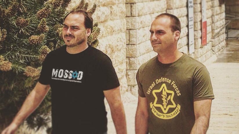 La foto viral de los hijos de Bolsonaro con camisetas del Mossad y el Ejército israelí, ¿es real?