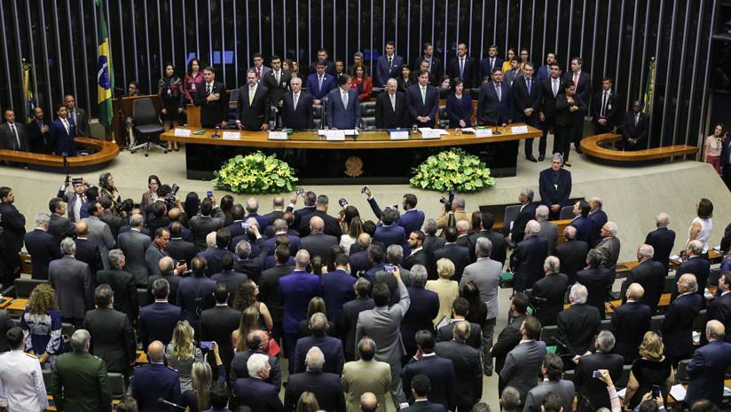 """Bolsonaro afirma ante el Parlamento de Brasil que """"el único norte es el de la Constitución"""""""
