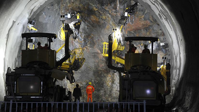 China construye el túnel submarino más profundo del país