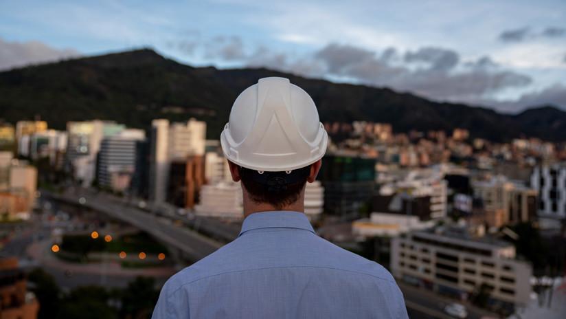 El puente destinado a ser el más elevado de Suramérica se encogió y ahora parece un acordeón