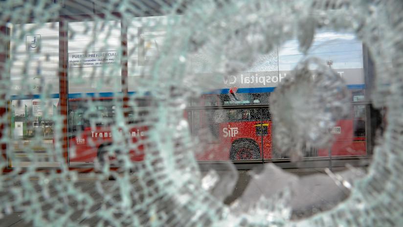 Colombia: Enfrentamientos con la policía y actos vandálicos desatan caos en Bogotá (VIDEOS)