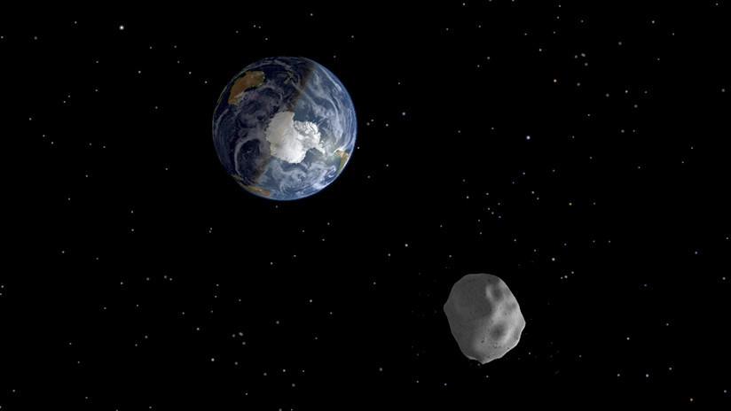 Tres asteroides pasan