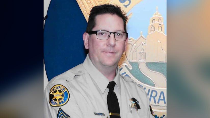 """Tiroteo en California: Policía asesinado le dijo """"te amo"""" a su esposa antes de intervenir en el bar"""
