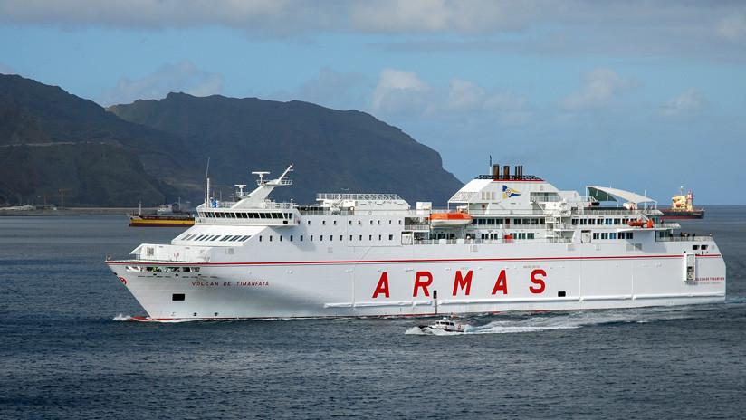 España: Rescatan a tres personas tras la colisión de dos barcos en las islas Canarias