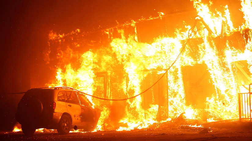 Estado de emergencia y 40.000 evacuados: California se despierta en medio de un devastador incendio