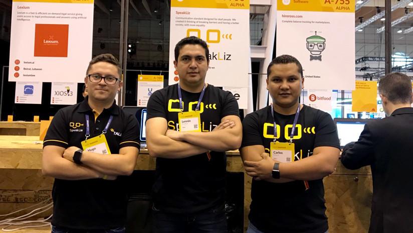 La 'app' desarrollada por ecuatorianos que ayuda a personas con discapacidad auditiva en 78 países