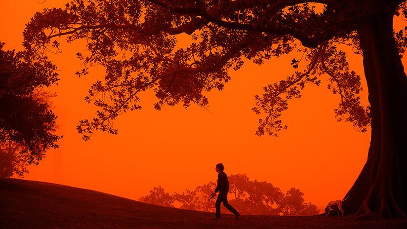 VIDEO: Una tormenta de polvo rojizo 'devora' un pueblo australiano
