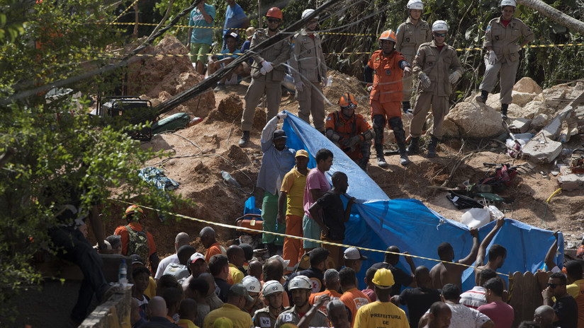FOTOS: Al menos diez muertos tras un deslizamiento de tierra en Brasil