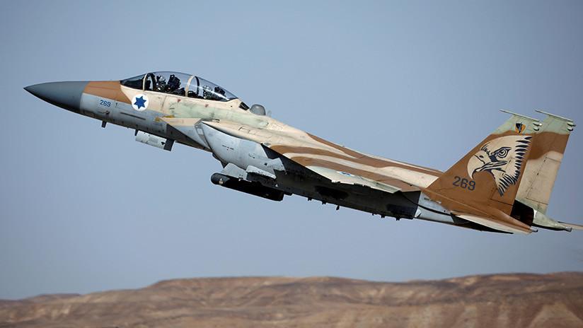 Cazas israelíes lanzan un ataque contra Gaza tras la destrucción de un autobús por fuego de mortero