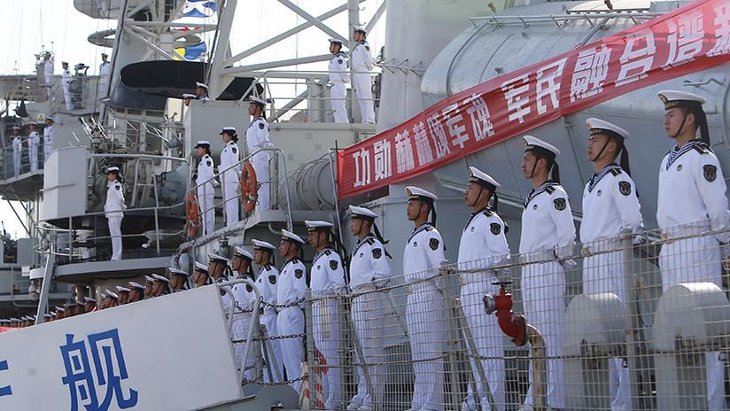 China preocupa a EE.UU. con su primera lancha robot que dispara misiles guiados