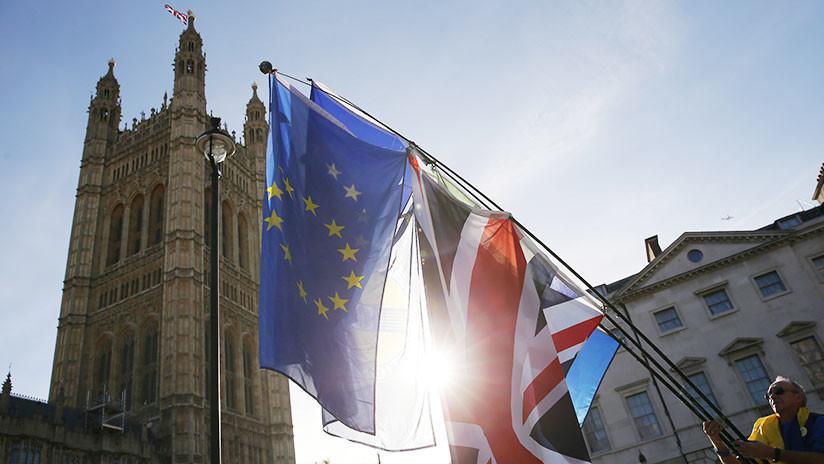 La UE publica el borrador de 585 páginas del acuerdo sobre el 'Brexit'
