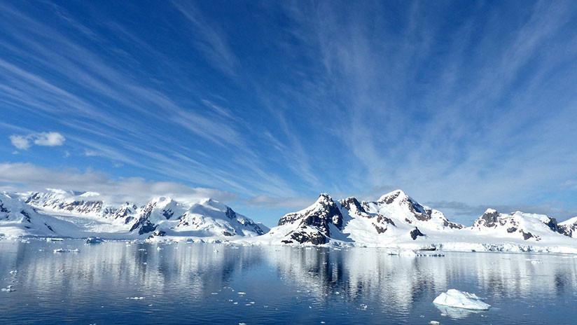 """Rocas """"inusualmente radioactivas"""" derriten una enorme masa de hielo bajo la Antártida"""