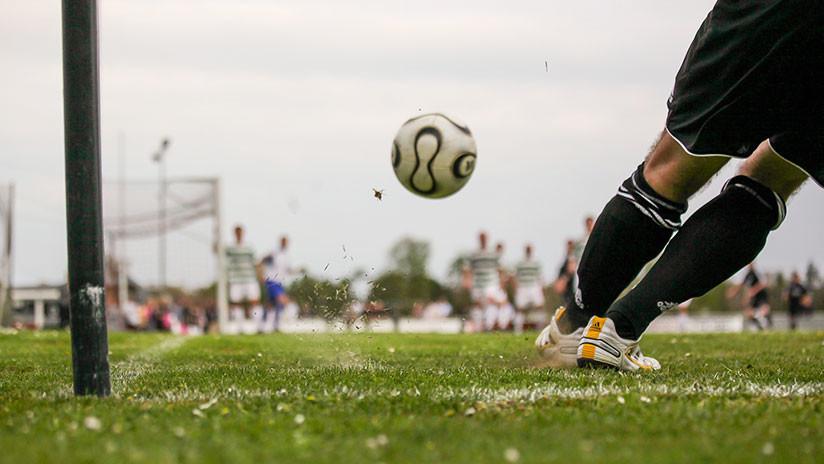 Grito de gol salva a un conductor de caer al precipicio