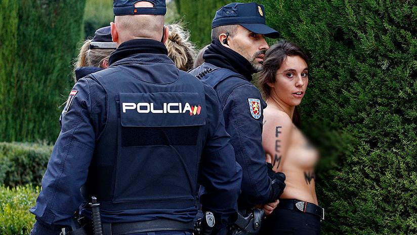 Activistas de Femen interrumpen un acto por el aniversario de la muerte de Franco