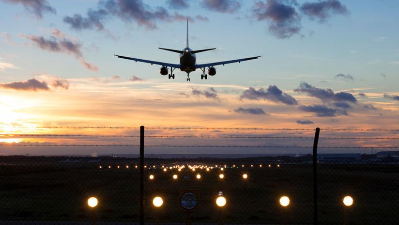 Un hombre muere atropellado por un avión en un aeropuerto de Moscú