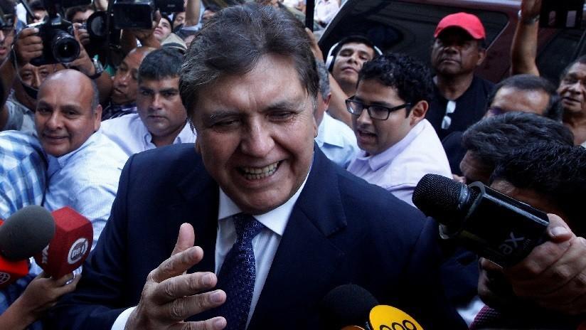 """Cancillería peruana entrega """"nota diplomática"""" a Embajada de Uruguay por asilo a Alan García"""