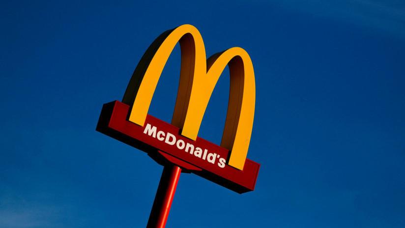 VIDEOS: El gerente de un McDonald's echa a unos musulmanes negros amenazados por un hombre armado