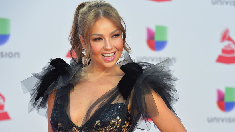 VIDEO: Falla el 'playback' en pleno concierto de Thalía y la Red no la perdona
