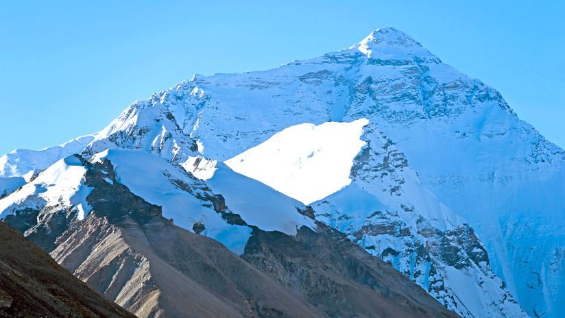 Descubren hielo 'cálido' en el glaciar más elevado del planeta