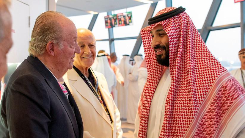 """""""La foto de la vergüenza"""": El rey emérito de España saluda al príncipe heredero saudita"""