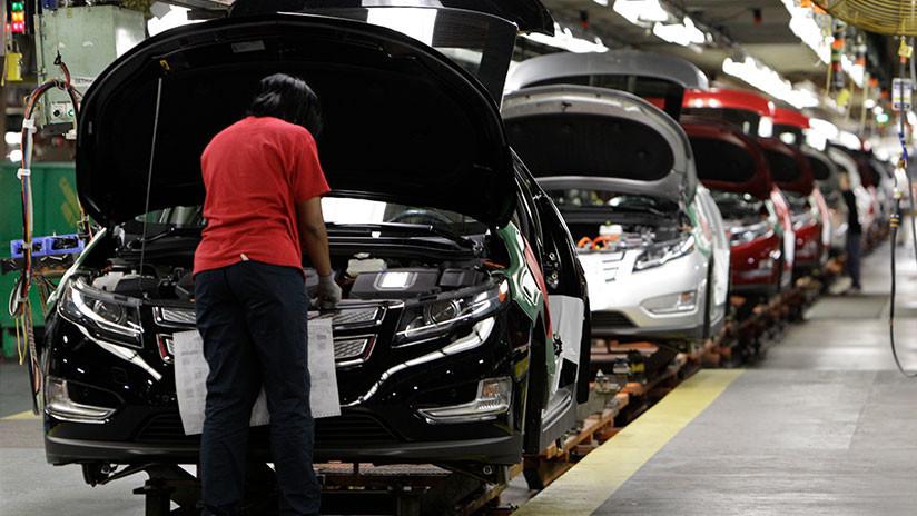Un gesto para el mercado: General Motors cierra 7 fabricas y sus acciones suben casi un 5 %