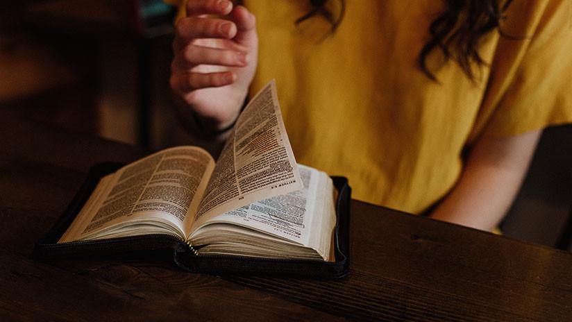 Las mujeres reescriben la Biblia: Editan una provocadora versión feminista del libro sagrado