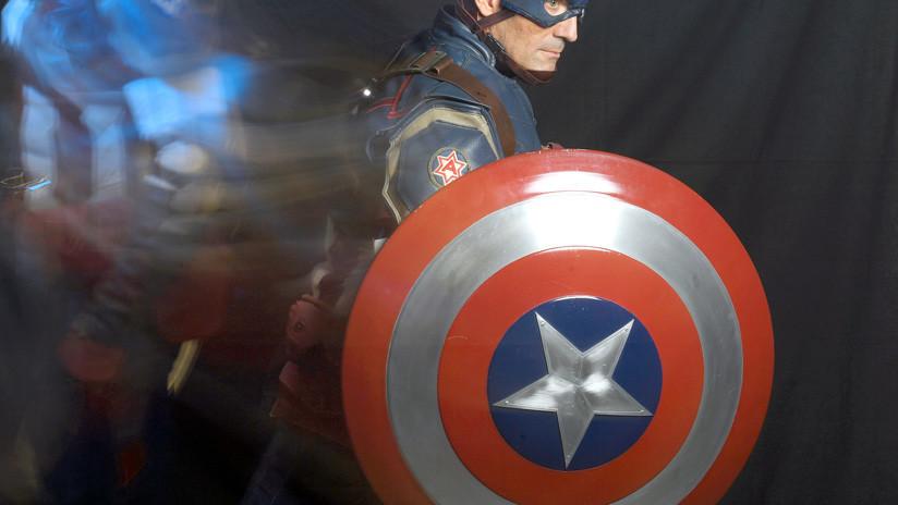 Alejandro Villalvazo muestra escena del Capitán América como nota real