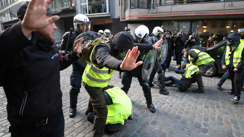 Arrestos y enfrentamientos: la protesta de los 'chalecos amarillos' se extiende a Bruselas (VIDEOS)