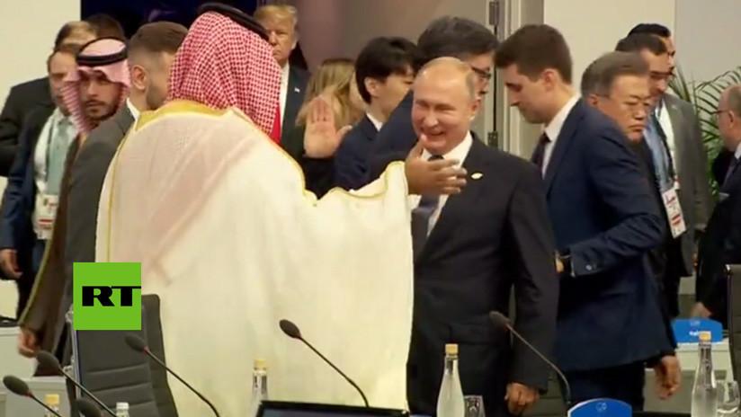 Putin saluda de modo amistoso a Mohamed bin Salmán y no estrecha su mano con Trump (VIDEO)
