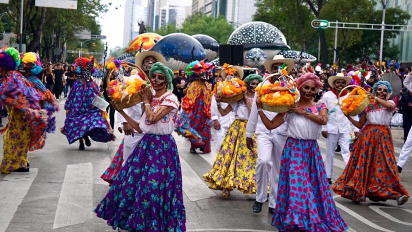Hubo carros alegóricos de cuatro estados invitados: Aguascalientes, Oaxaca, Michoacán y San Luis Potosí. / CDMX Comunicación Social