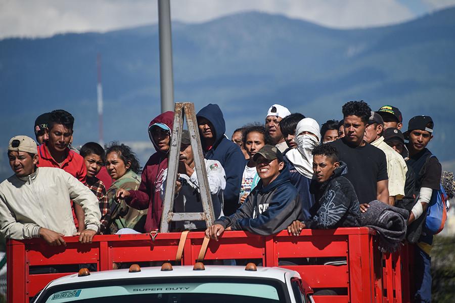 Varios miles de inmigrantes Hondureños rumbo a EEUU 5be0bb8308f3d936168b456b