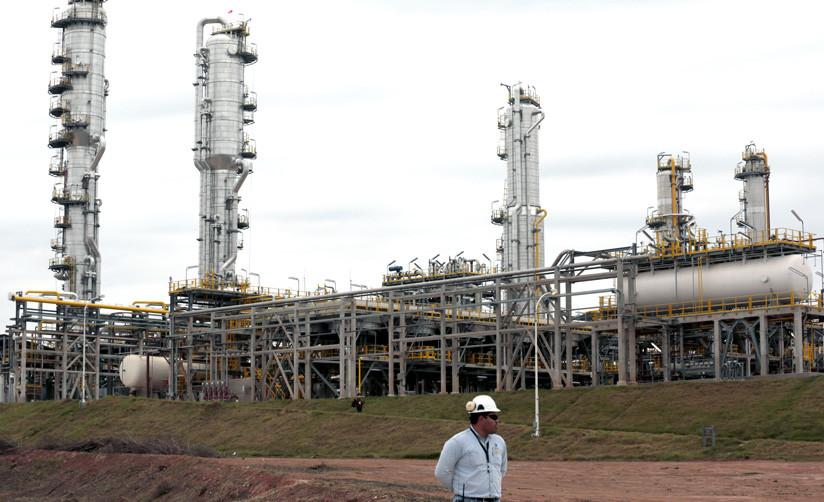 Planta de gas en Yacuiba, al sur de La Paz, Bolivia. 24 de agosto de 2015. / David Mercado / Reuters
