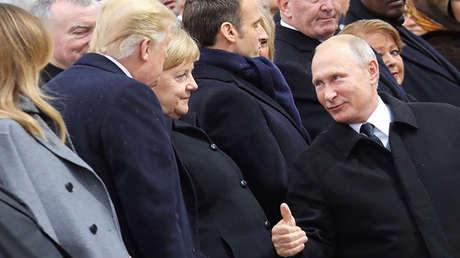 Vladímir Putin, Donald Trump y Angela Merkel en un acto conmemorativo del centenario del fin de la I Guerra Mundial, París, Francia, el 11 de noviembre de 2018