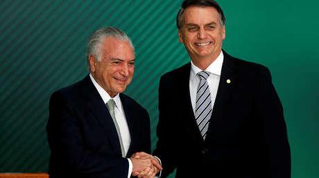 El presidente de Brasil, Michel temer, y el presidente electo, Jair Bolsonaro, en el Palacio de Planalto, Brasilia, 7 de noviembre de 2018.