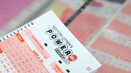 Un billete de lotería de New York Lottery's.