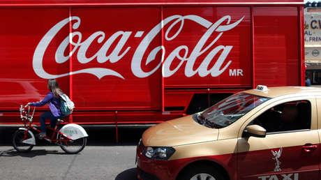 Un camión de Coca-Cola se ve en el tráfico de la Ciudad de México. 9 de septiembre de 2013.