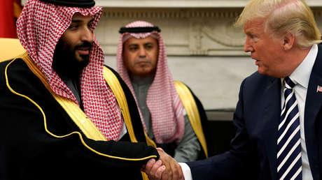 El Presidente de los Estados Unidos, Donald Trump y el príncipe heredero de Arabia Saudita, Mohamed bin Salman. 20 de marzo de 2018.