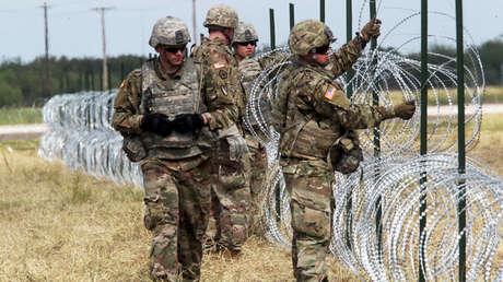 Soldados del ejército de Estados Unidos cerca de la frontera en Donna, Texas. 4 de noviembre de 2018.