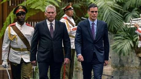 El presidente cubano, Miguel Díaz-Canel, y el presidente del Gobierno español, Pedro Sánchez, en La Habana, el 22 de noviembre de 2018