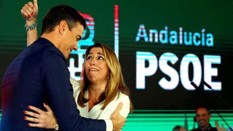 Pedro Sánchez junto a Susana Díaz en la campaña electoral en Chiclana de la Frontera, España. 18 de noviembre de 2018.