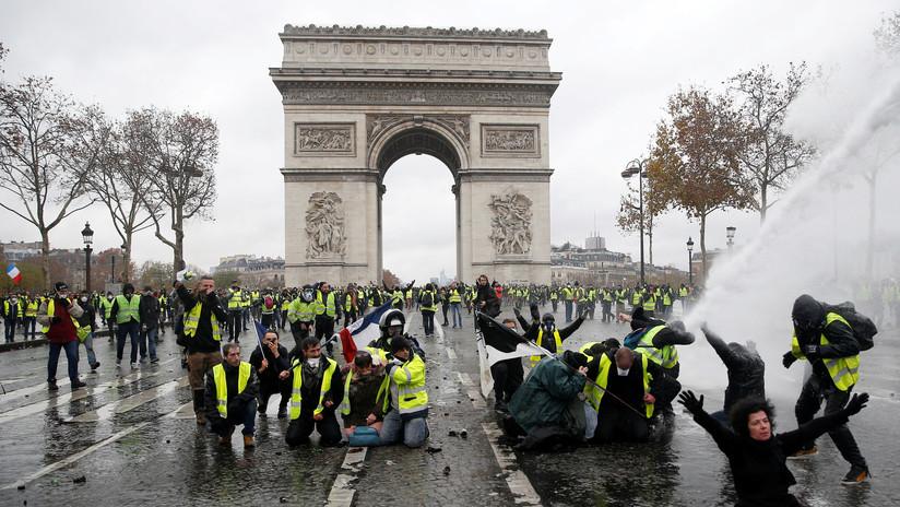 Francia: 12 periodistas de RT resultan heridos en las protestas