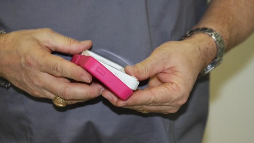 Descubren que los móviles tienen siete veces más bacterias que una tapa de inodoro